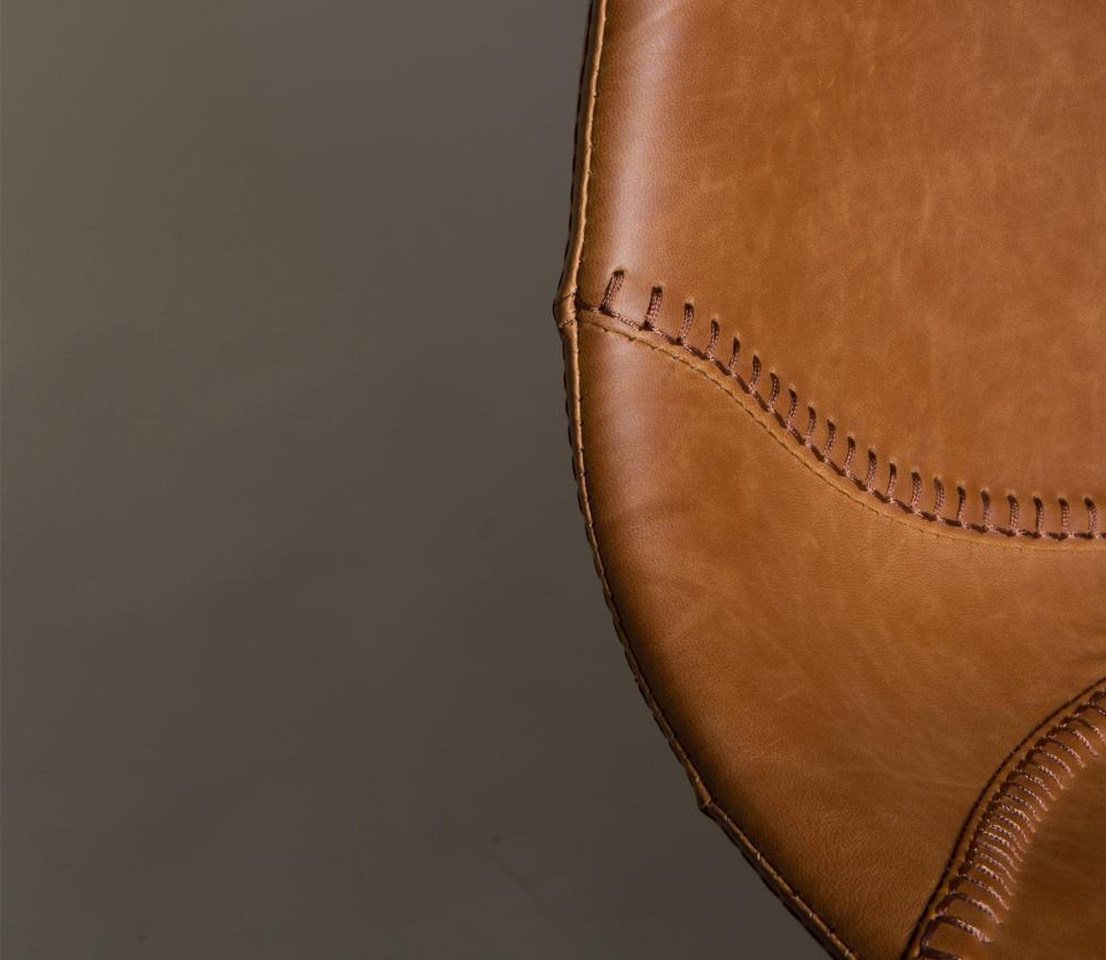 Dutchbone Franky counter kruk bruin PU leer detail