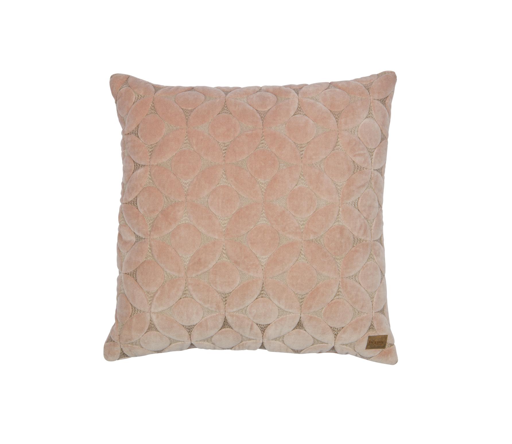 BePureHome Snuggle Round kussen fluweel nude 50x50 cm sfeerbeeld 3