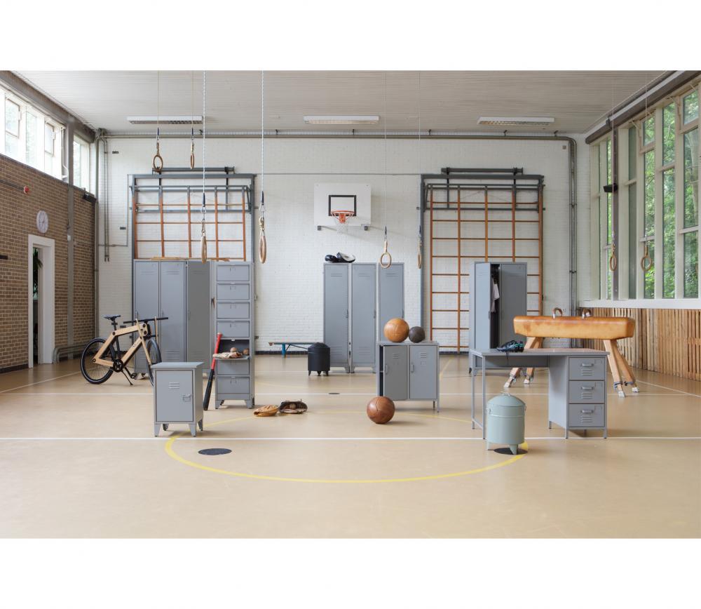 Woood Stijn 2-deurs lockerkast staalgrijs grenen sfeer 2