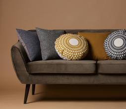 Afbeelding van product: WOOOD Rocco 2,5 zits sofa velvet warm groen polyester