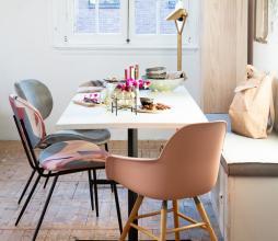 Afbeelding van product: Zuiver Albert Kuip eetkamerstoel armleuning kunststof oud roze mat