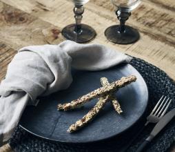 Afbeelding van product: House Doctor Pion dinerbord Ø 28,5 cm porselein zwart-bruin