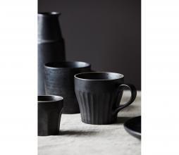 Afbeelding van product: Housedoctor Berica mok met oor aardewerk zwart