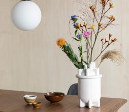 Afbeelding van product: Zuiver Bassin vaas Ø21xH36 cm keramiek wit